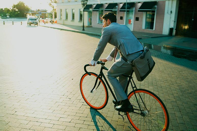 Картинки по запросу велосипедом н ароботу